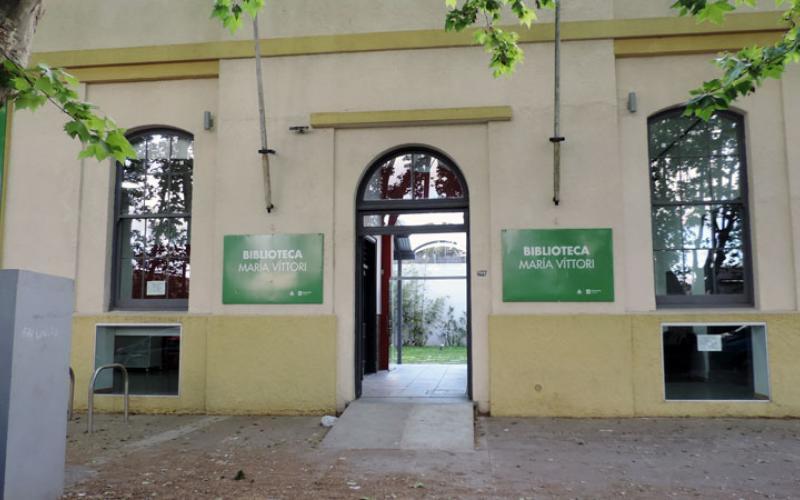 """Convocatoria a selección participativa de libros en la biblioteca """"María Vittori"""" de Peñarol."""
